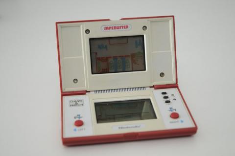 Mi maquinita lcd retro game & watch Safe Buster